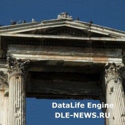 Необычная арка Андриана в Афинах