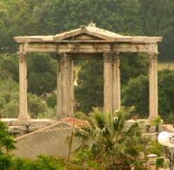 Материалы и оформление арки Адриана в Афинах