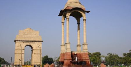 Структура и значение Ворот Индии